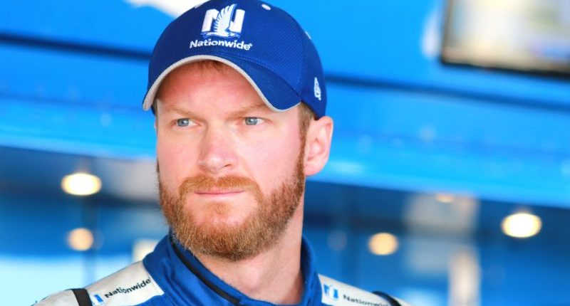 'America is created by immigrants': NASCAR's Dale Earnhardt Jr. stands up for refugees after Trump's ban https://t.co/e5RaocJrnm