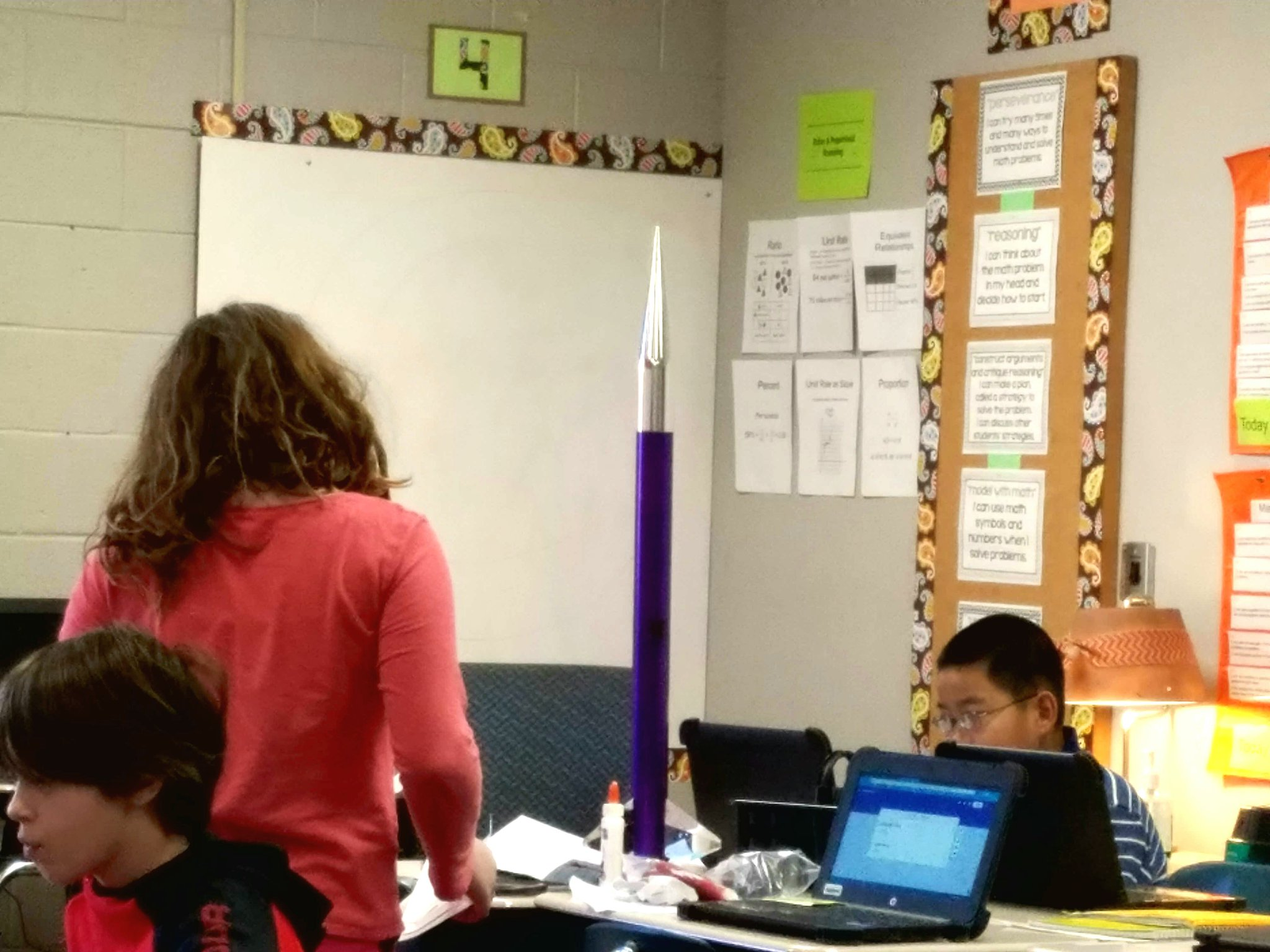 I see a young lady shooting for the moon with her @RockQuarryMS Innovation Day rocket project.  #RQinnovates #TCSlearns https://t.co/Zlm5uViZT0