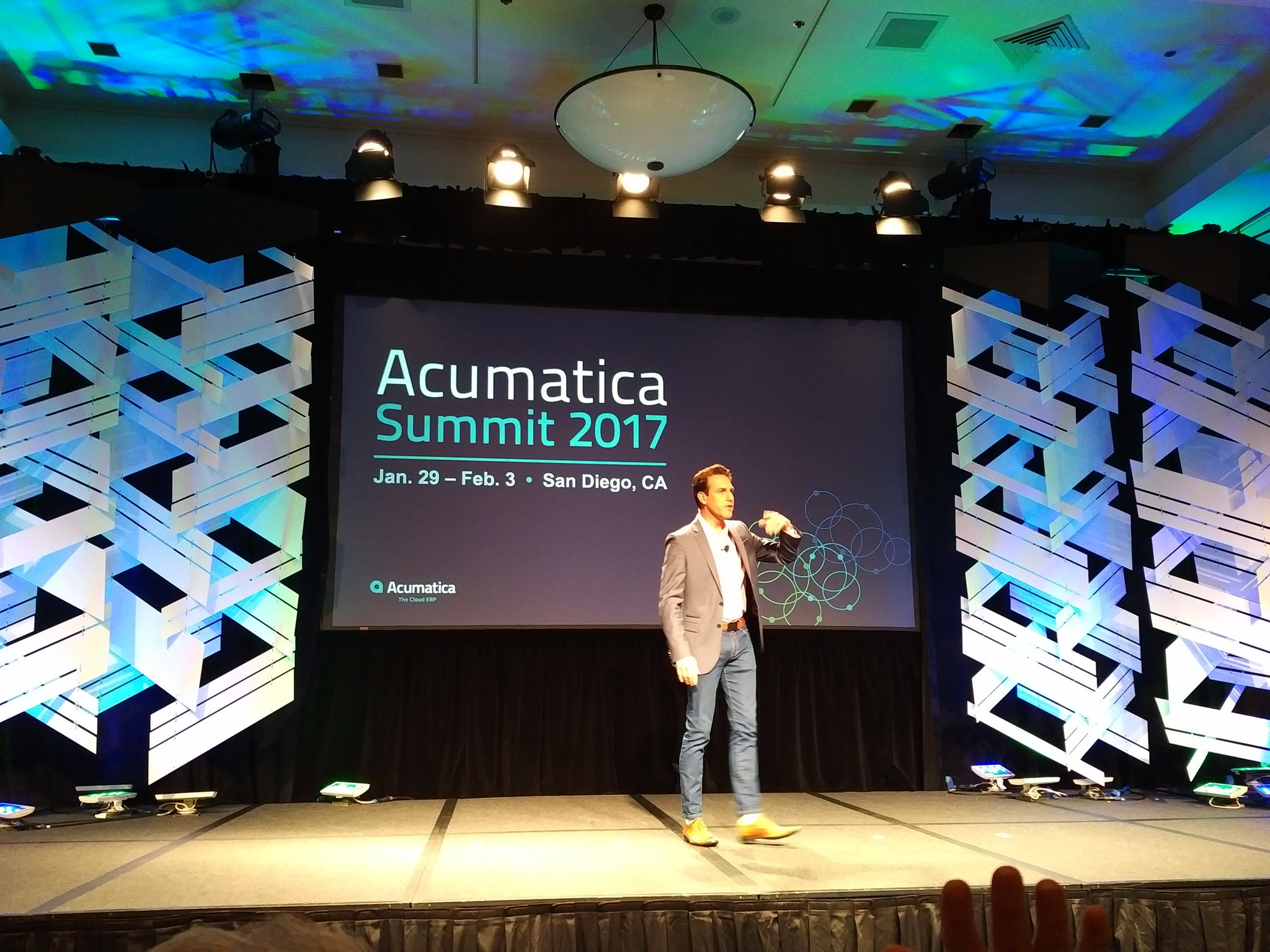 And we are off at #AcumaticaSummit with local news reporter ... summons the audience. https://t.co/jjFkEIZL6K
