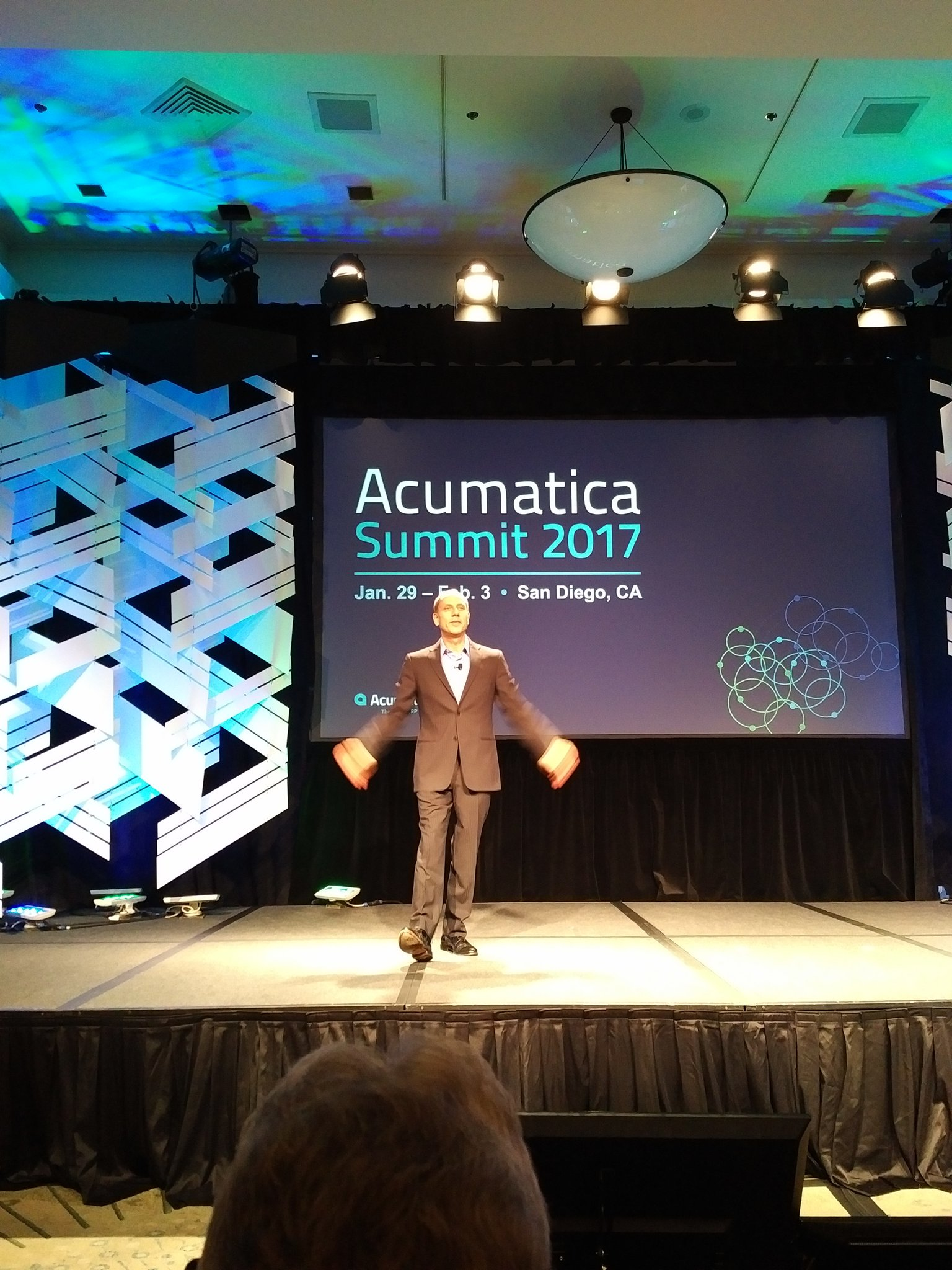 And we are off with @Jon_Roskill - he is literally taking off in my shot. ;-) #AcumaticaSummit https://t.co/sX6rZ63GYV