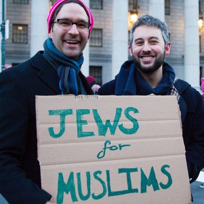 Check out our very first Instagram story for photos of Reform Jews across the U.S. protesting the #MuslimBan:  https://t.co/kieXWotB4A https://t.co/SHQpDzLMPk