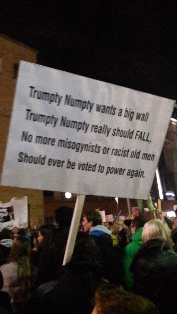 Best sign ever. #MuslimBanprotest #DonaldTrump https://t.co/dWevi2gW44