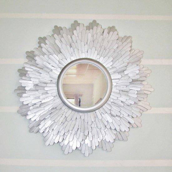 декор из зеркала и кружева