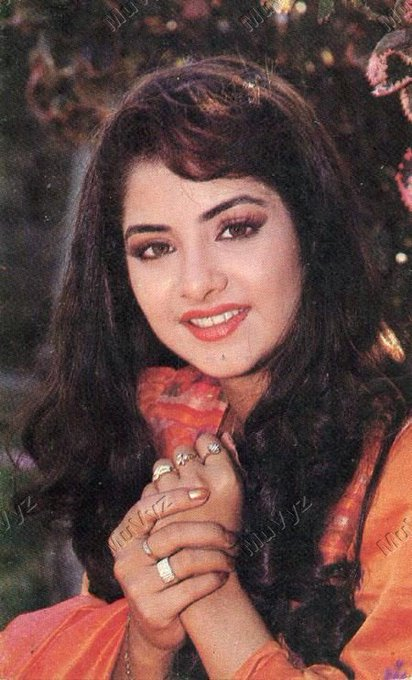 Be lated HAPPY BIRTHDAY TO DIVYA BHARTI  My 2nd most fv actress ever  I miss u always