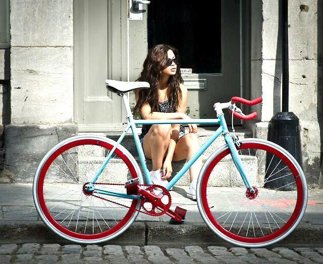 Bicicletas fixie Valencia:  https://t.co...