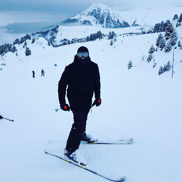 Bordel Quand J&#39;arrive Sur Les Pistes#Ski #LaPlagne #LaPlagneAime2000 #Hiver2017 #ChasseurAlpin #MissionCommando #FullBlack #CharlieDelta<br>http://pic.twitter.com/qwu50tuTfI