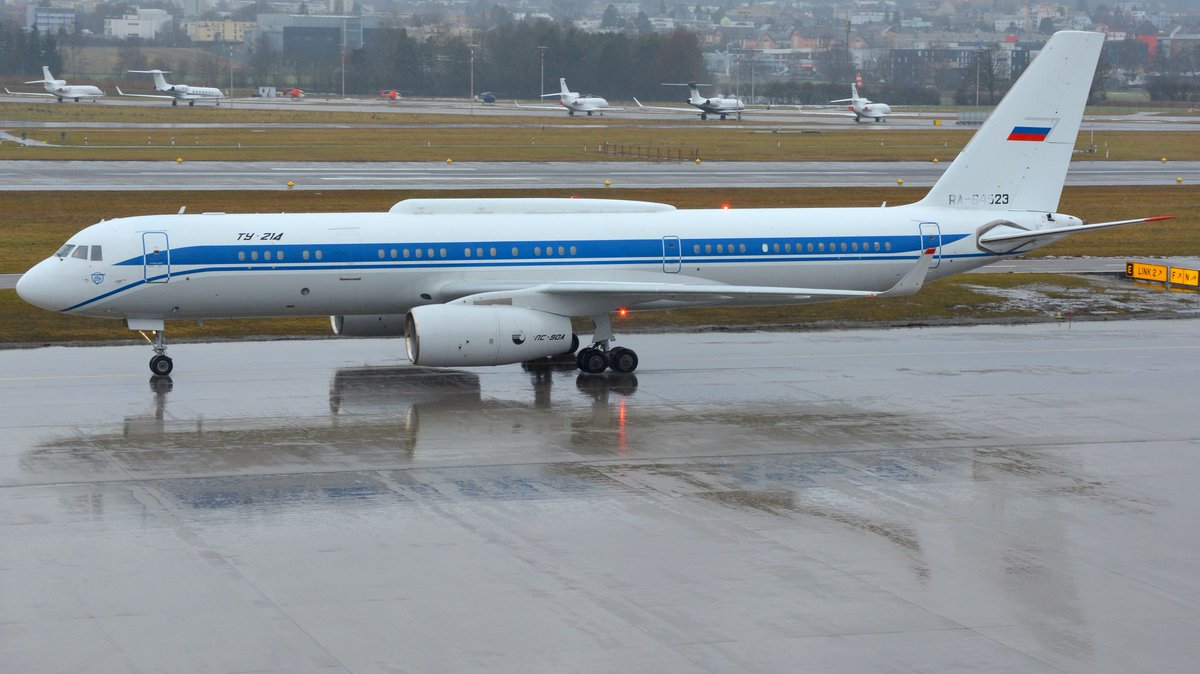 31 января - самолет Ту-214 бортовой RA-64523 директора ФСБ РФ в Цюрихе