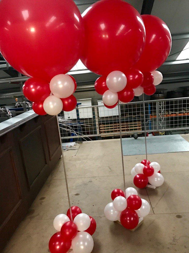 Bij veel bedrijven start de #ValentineSpecialOffer al. Wij leveren de #ballondecoraties