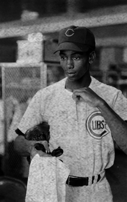 Happy birthday Ernie Banks, born on this day in 1931.