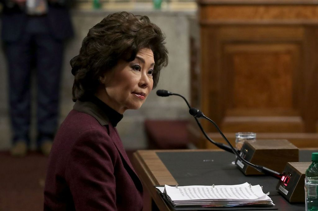 #Elaine Chao confirmed as US secretary of transportation <br>http://pic.twitter.com/CngcIy4vVn