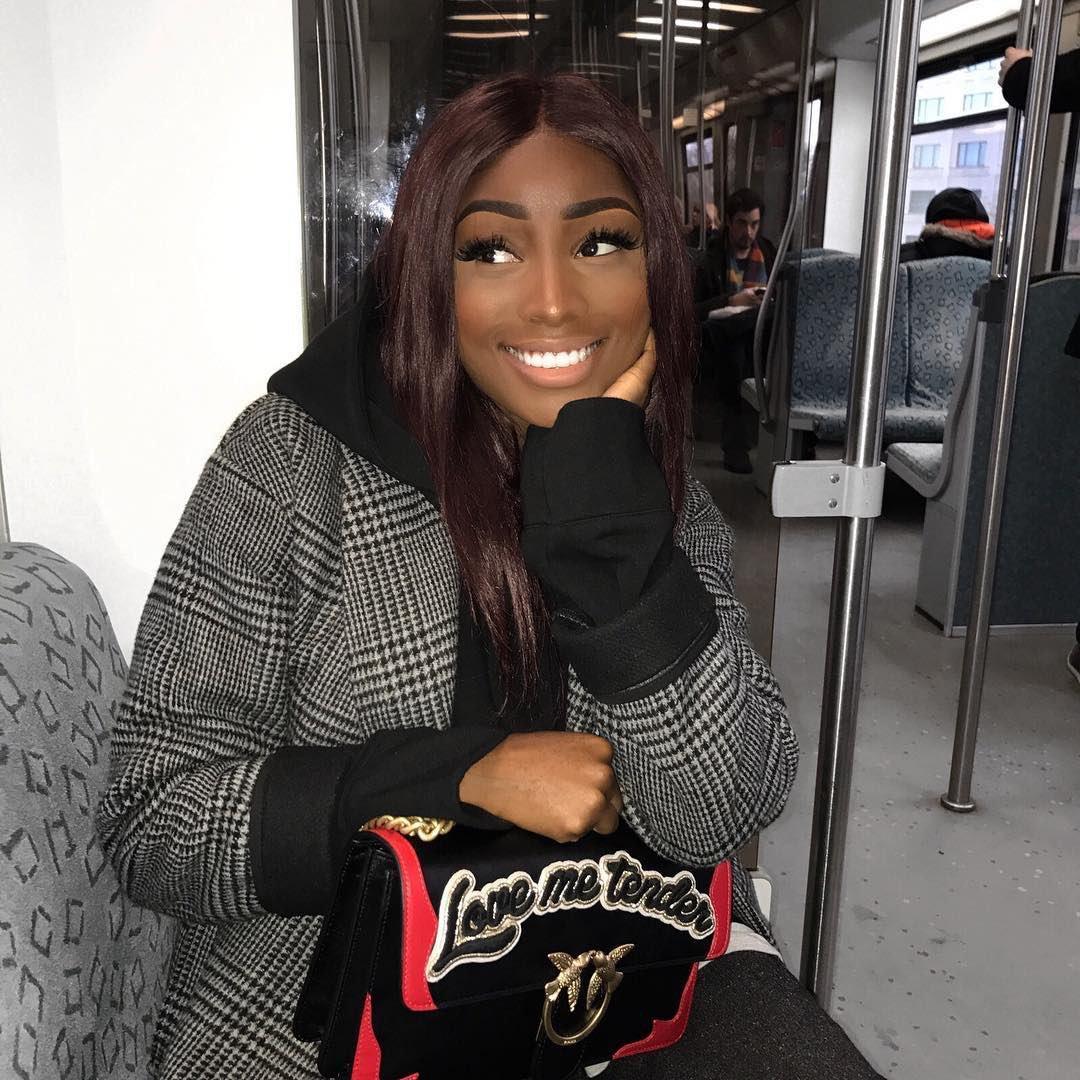 Sexy Light peau Black Girl porno