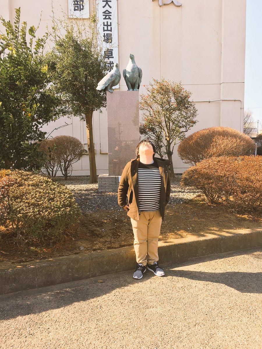 埼玉県、鷲宮高校へ。 面白い生徒さん達ありがとう。 何年か前にお邪魔してましたね。 伝説の勇者しか引…