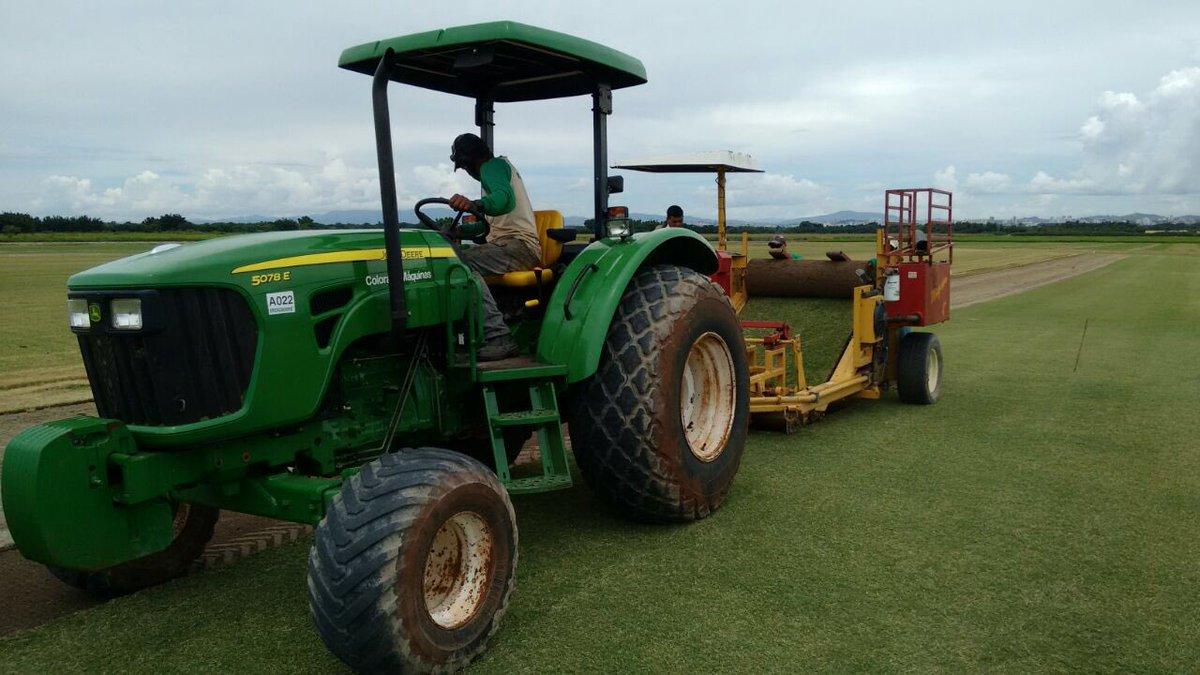 Sabe o que é isso? É o novo gramado da Arena da Ilha do Governador, que começa a ser plantado amanhã! 🔴⚫