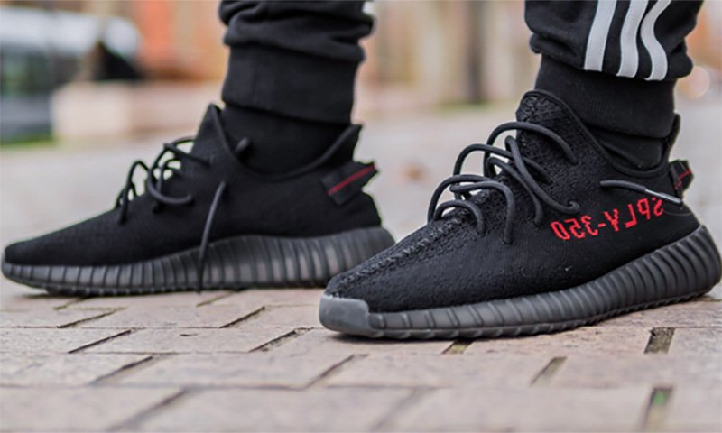 1384ae6d5cead win free yeezys 🚨 1 subscribe to our youtube channel here -  2 tell us  your shoe size in the comments