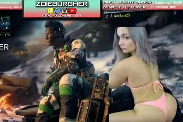 Gaming girl hot