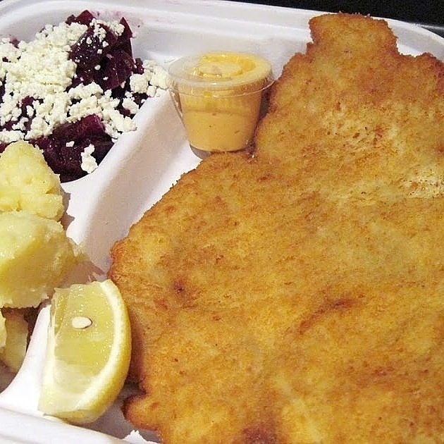 We will be on 47th & Park today Schnitzlers ☺. #lovefood #wednesdaymotivation #lunchtime #yummy https://t.co/Ltdt7i47m7