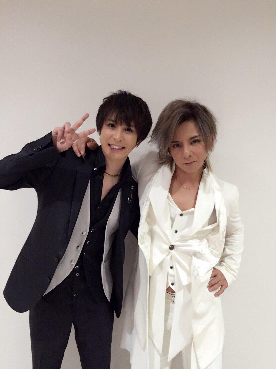 写メ届いた(^ω^)  今日は久しぶりに松岡さんと コンビでゲスト!!  兄貴と一緒で力強かった(^…