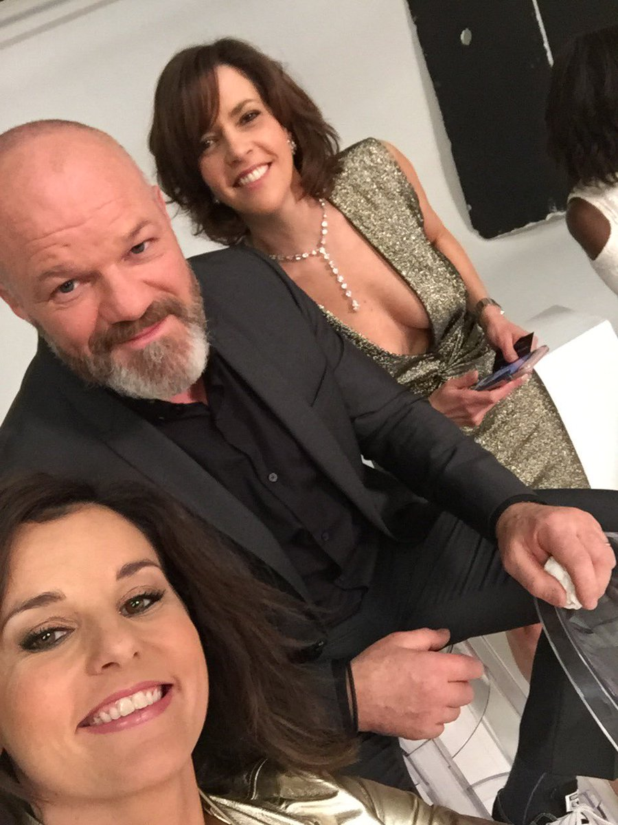 faustine bollaert on twitter shooting photo 30 ans m6 les copains nathalierenoux philippe. Black Bedroom Furniture Sets. Home Design Ideas