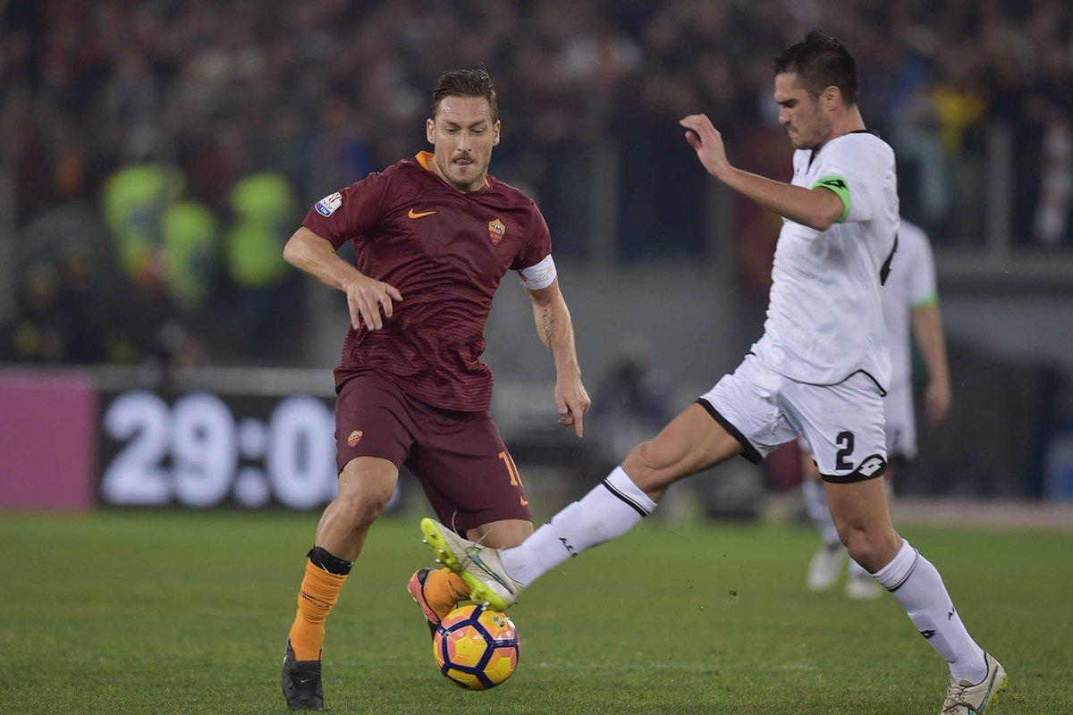 Roma-Cesena 2-1, gol partita al 97' di Totti su calcio di rigore. È derby in Semifinale Coppa Italia