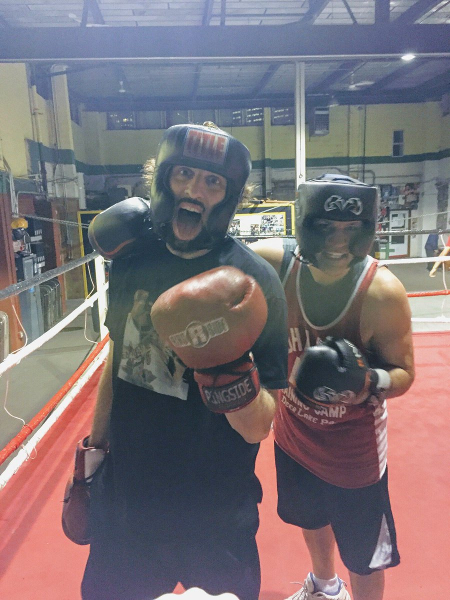 R A The Rugged Man On Twitter I Just Sparred Rounds With Pro Boxer Trainer Icejohnscully M Out Of Shape Good Thing Ice Took It