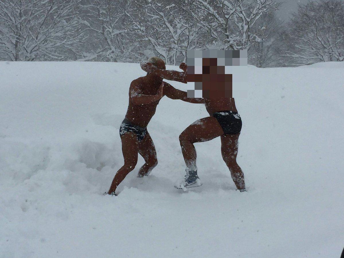 今年も恒例の『下剋上・雪上プロレス』が開催されたッ✴⤴⤴(コケシの対戦相手はデビュー前だからモサ…