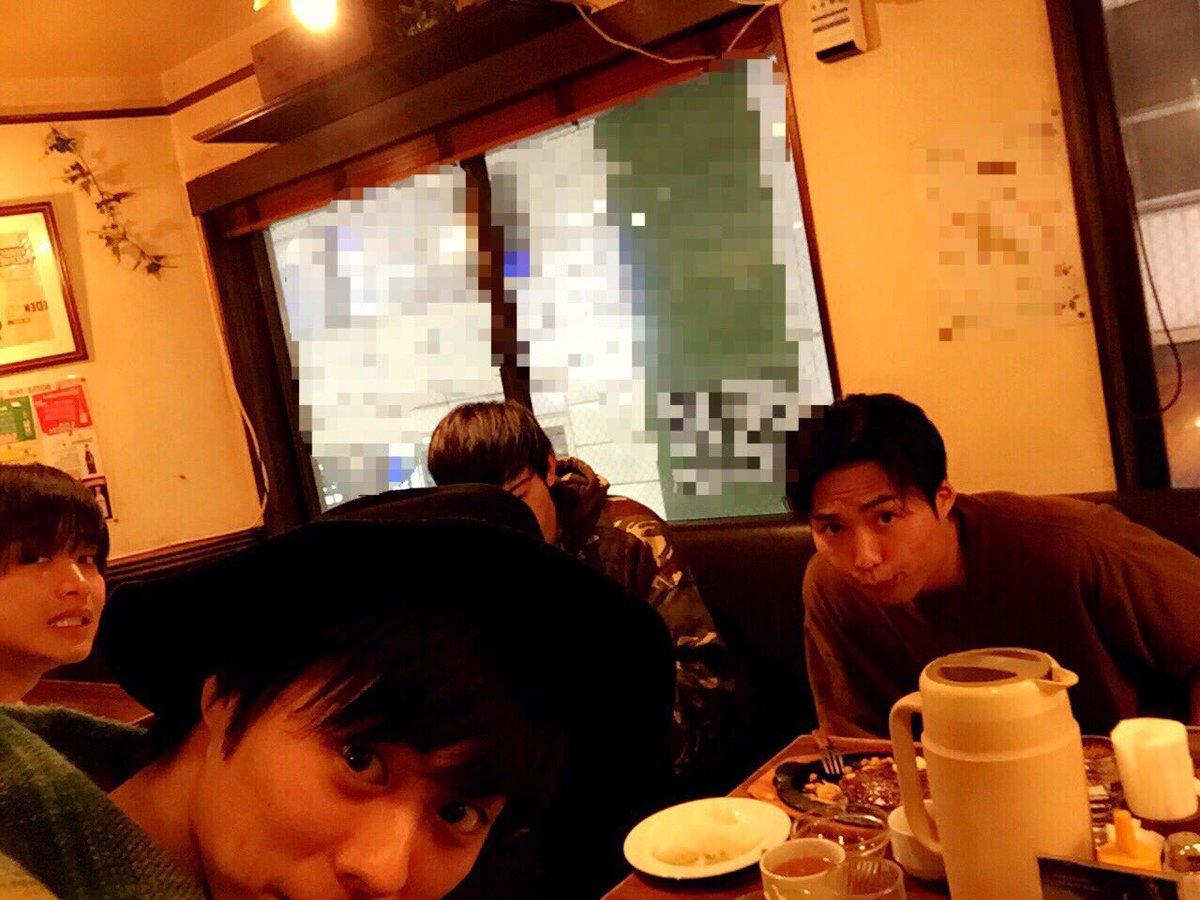 町田君と寛太とまさやすさんとボーリングしてダーツしてご飯食べてきました。  ボーリングの動画はブログ…