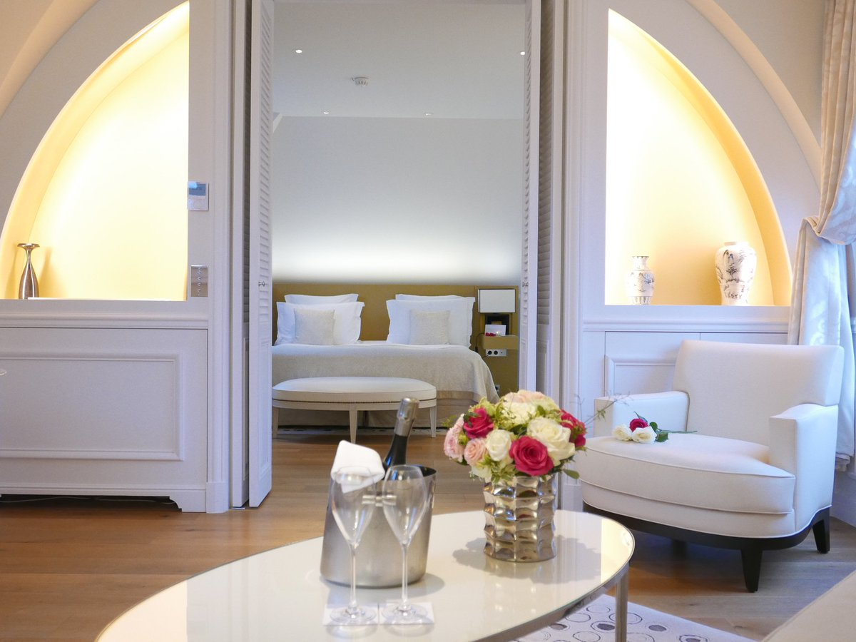 Grand hotel du palais royal paris black tomato - 0 Replies 0 Retweets 2 Likes