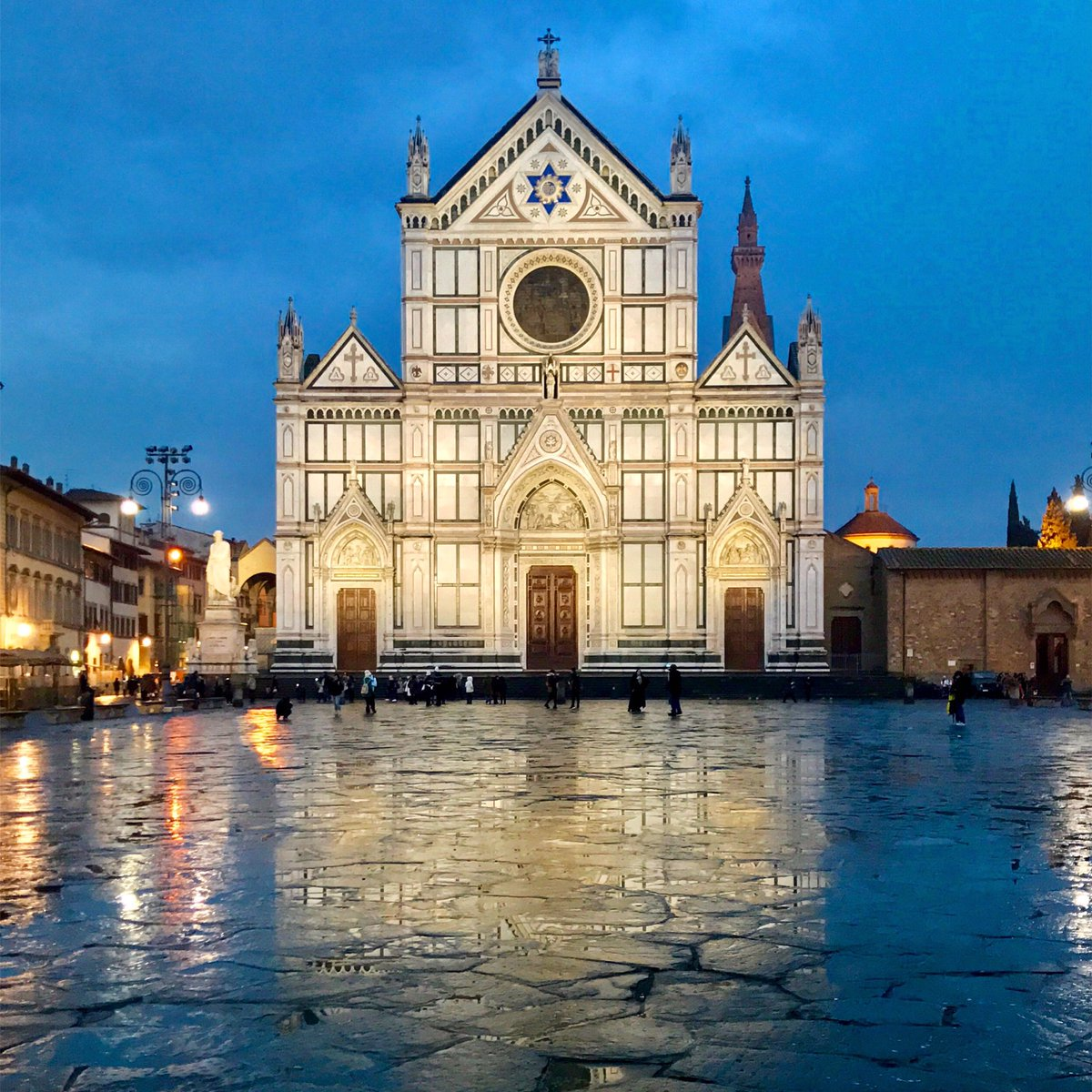 Piazza Santa Croce, Firenze via @melindagallo #travel #art #italy