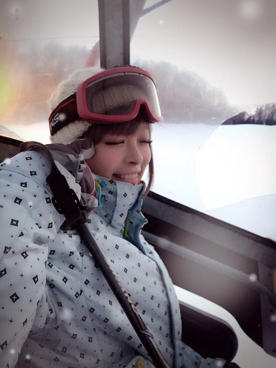 ツアーで北海道にきました!さむい! 今日は北見でスキーしちまった、、、 楽しい、、、札幌も行くよお