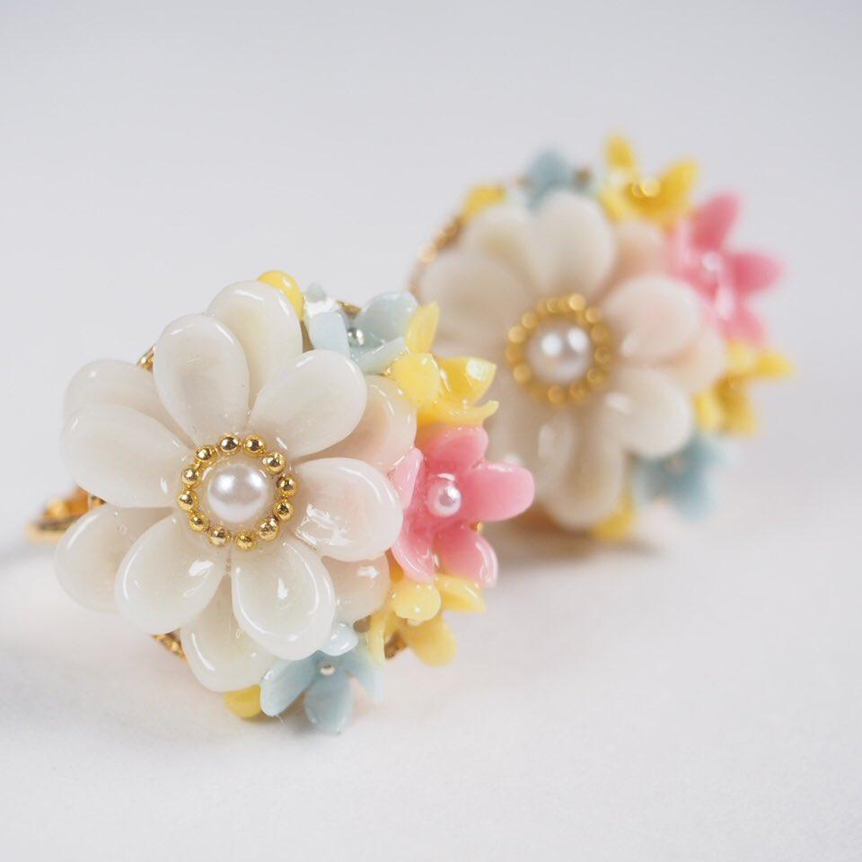 委託先のpeaberryさん、明日からイベントがはじまります。春先どりのお花アクセサリーが並んでます♡可愛いので是非是非(*⁰▿⁰*)
