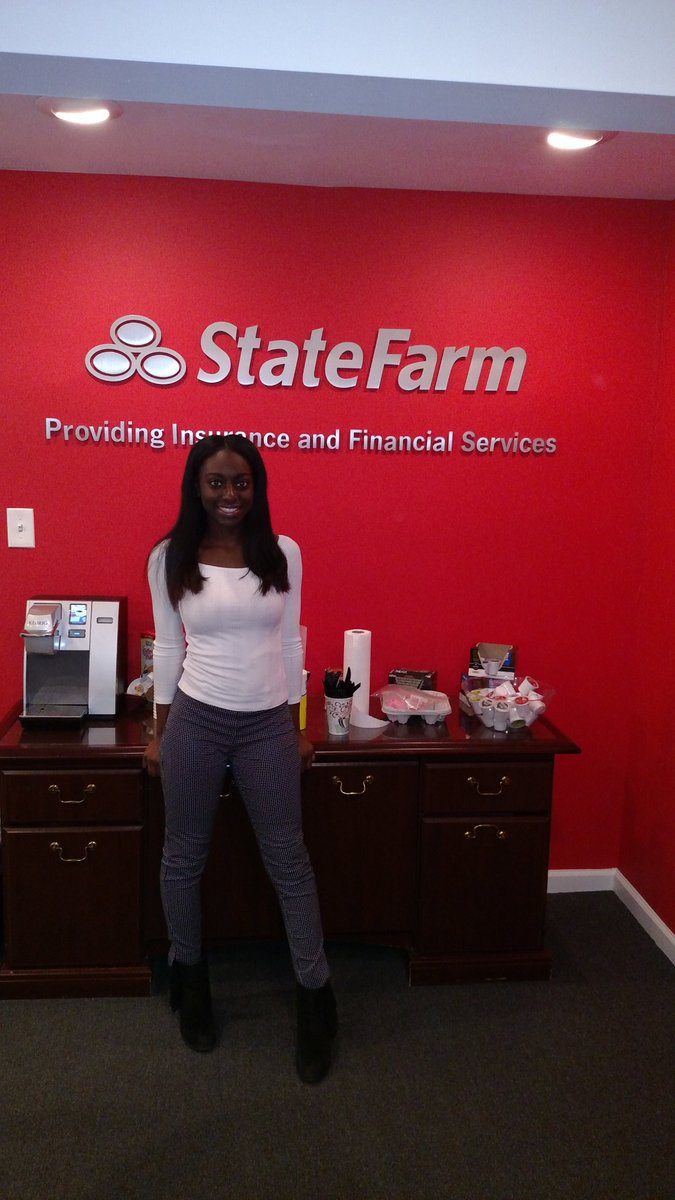 """Kevin Thomas on Twitter: """"O'Nesha working her co-op job @XanHongSFAgent with State Farm #earnandlearn @delcastle_ths @CliftonHayes4 Discount Double Check ..."""