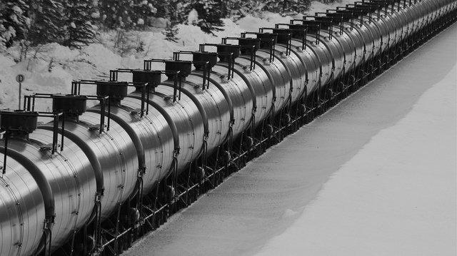 Pétrole par train : Inquiétudes concernant une voie ferrée sécurisée à Rimouski  http:// ecoquebecinfo.com/petrole-train- inquietudes-concernant-voie-ferree-securisee-a-rimouski/ &nbsp; …   #Belledune #PolQc #AssNat<br>http://pic.twitter.com/I8JgMZUxan