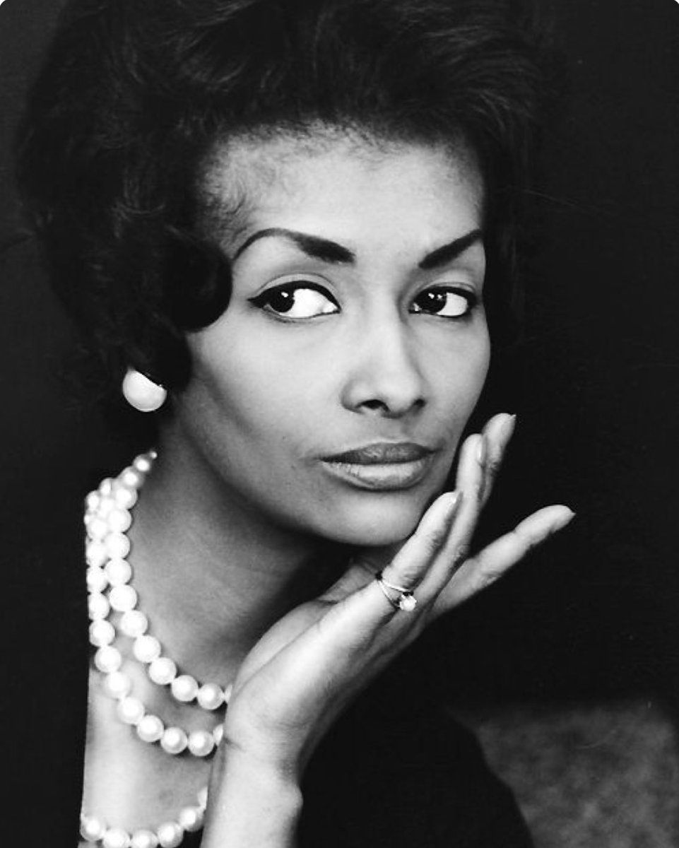 #BlackHistoryMonth Helen Williams was the 1st Black model to cross over into mainstream advertising, in the 1950s. https://t.co/j9k27SK5Nf