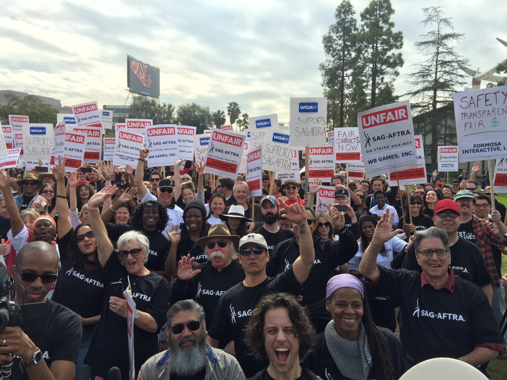 @sagaftra we are standing for a fair negotiation and contract #performance https://t.co/xAZHTYgqeo