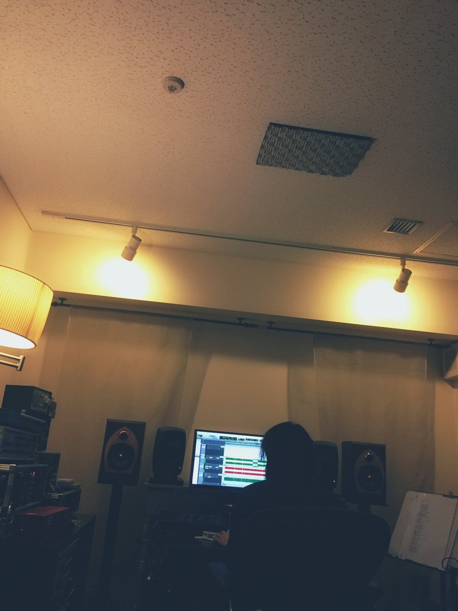 新曲のミックス作業。 待ち時間に2/11の犬小屋のセットリスト考え中。