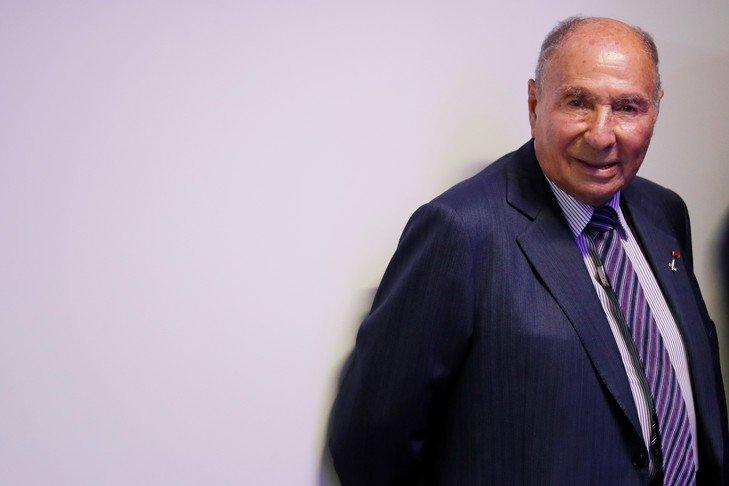 (La  http:// Croix.com    ):Fraude fiscale?: #Serge #Dassault condamné à 5ans d'inéligibilité : Le..  http://www. titrespresse.com/article/171287 41612/fraude-serge-dassault-fiscale-condamne-ineligibilite  … pic.twitter.com/M0pGqz9ous
