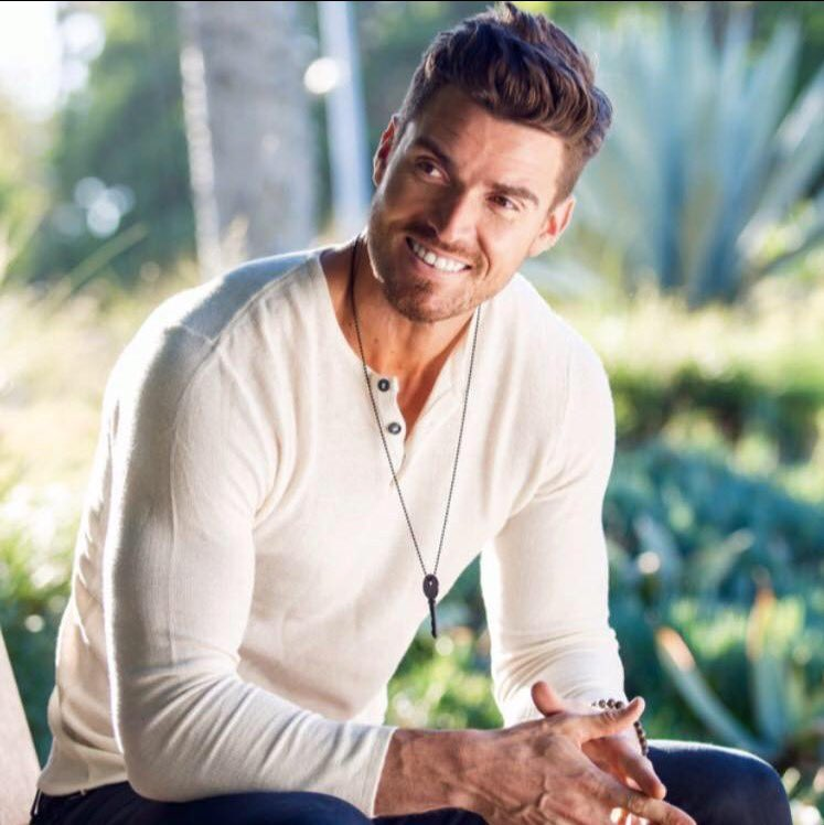 Luke Pell Sports Ent Nash The LukePellFanClub And 7 Others