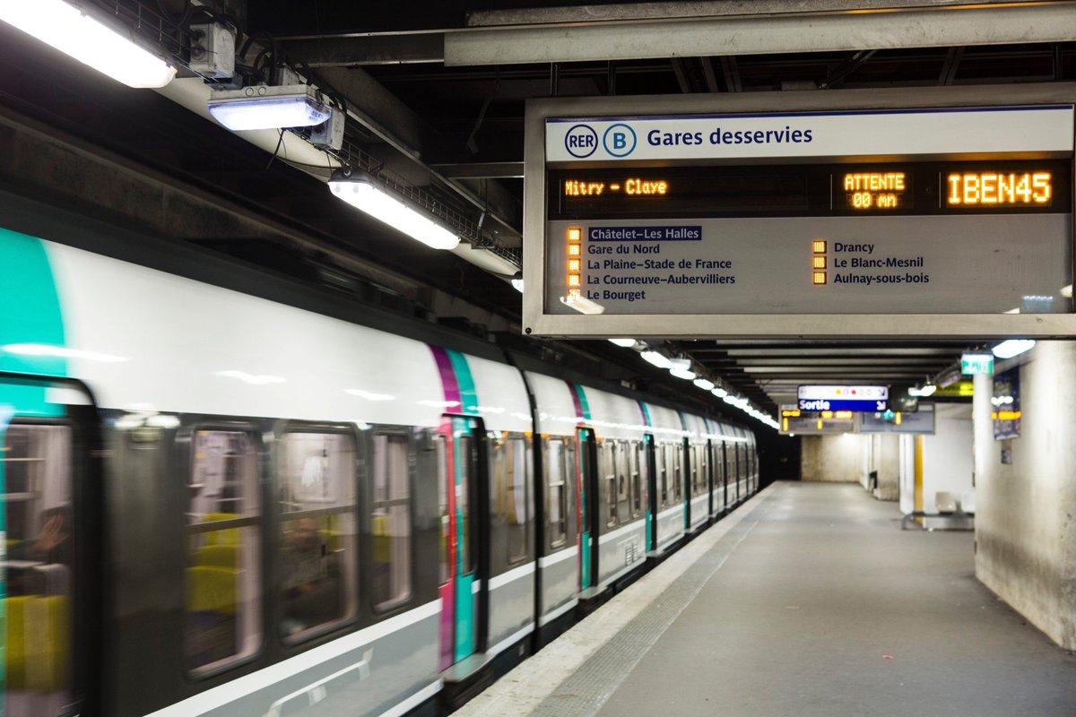 Seine-Saint-Denis : le RER B bloqué par des chameaux > https://t.co/NycDOhigP6