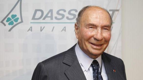 #France: le milliardaire #Serge_Dassault condamné à 5 ans d'inéligibilité et 2 M EUR d'amende  http:// bit.ly/2kWvdXS    pic.twitter.com/KevFcCIUK9