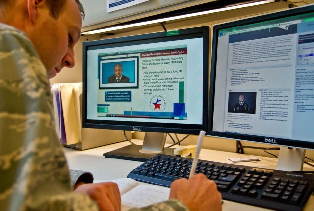 #USArmy Soldiers to receive training on military's new #blendedretirement system https://t.co/8ZssPAdL9W