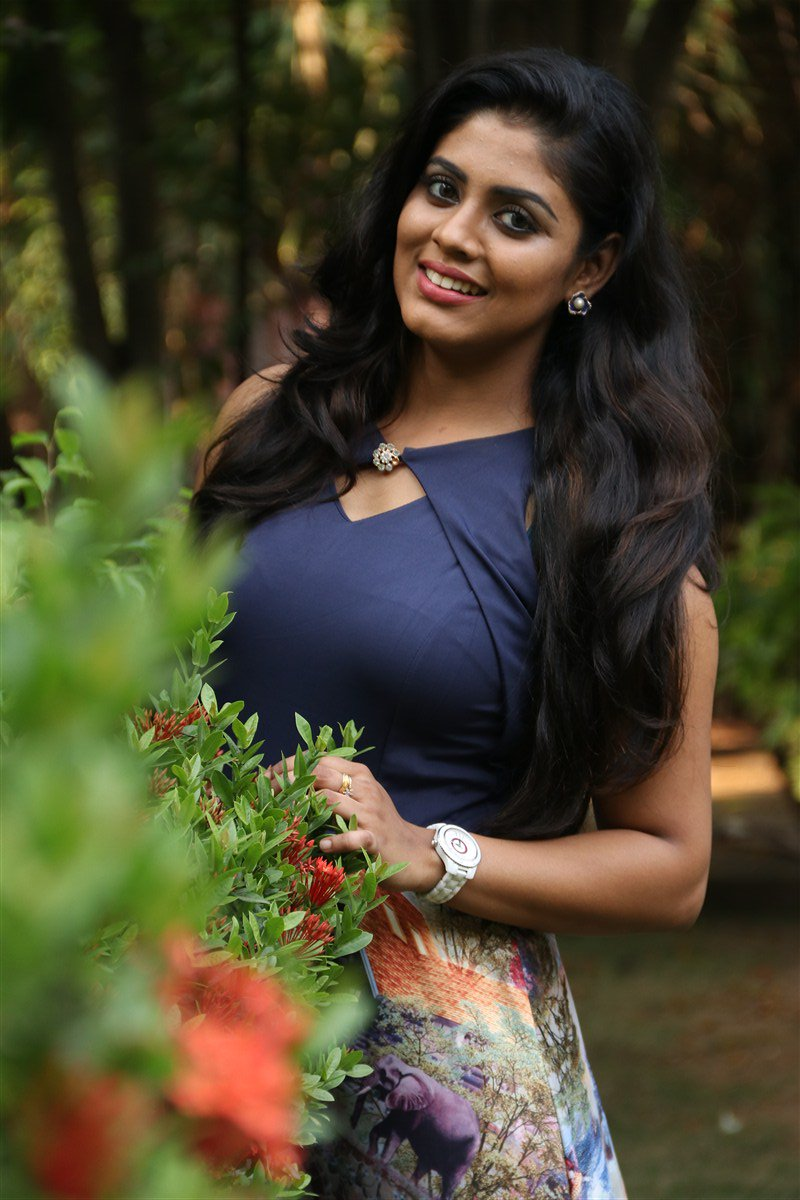 actress boobs Tamil