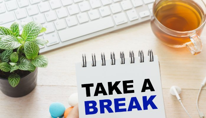 Half-Asleep At Your Desk? Read this article for seven easy fixes to fight fatigue at your desk  http:// ow.ly/aTIz308sAbd  &nbsp;   #professionalspeaker <br>http://pic.twitter.com/1GqPymjXti
