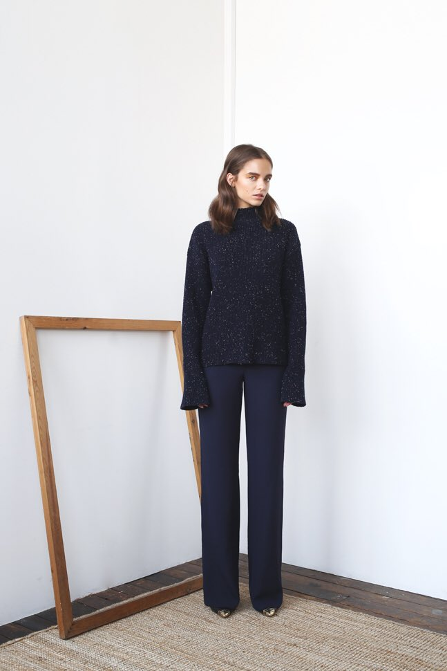 Our PHILIPPA | one of our favourite oversized slouchy sweaters > we still have a couple left in our winter sale before new colours arrive! https://t.co/lkJY7Ll10d