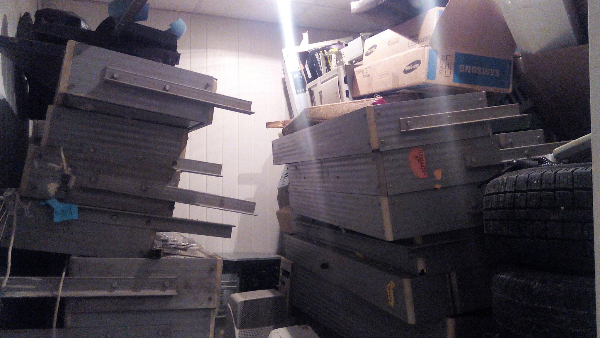 Предыдущие инвестиции города - табло разработанные «Магнетроном», валяются в горе мусора в одной из диспетчерских МУЭТа