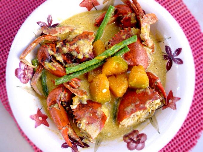 Crabs in Coconut Milk (Ginataang Alimango) |
