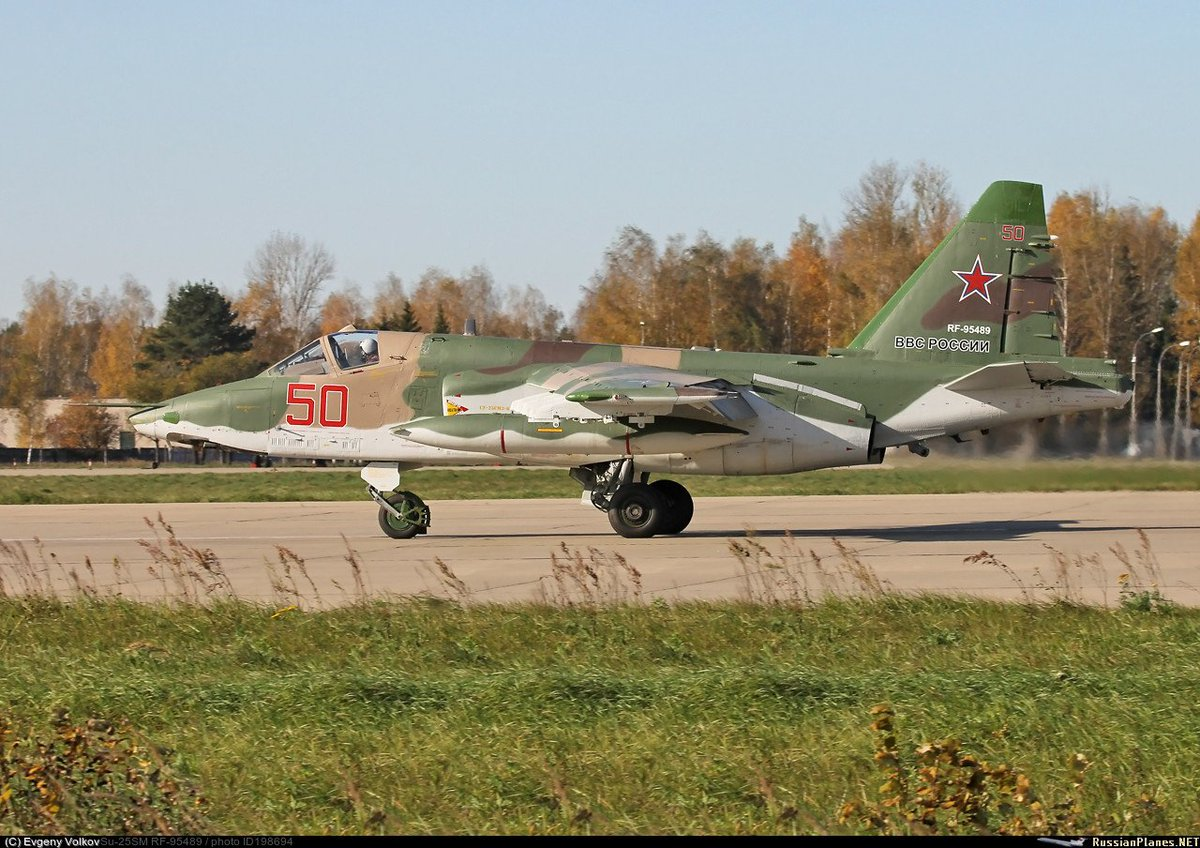تعرف على النسخه الاحدث من مقاتلات Su-25 ..........المقاتله Su-25 SM3 C3wounnWAAkQMfW