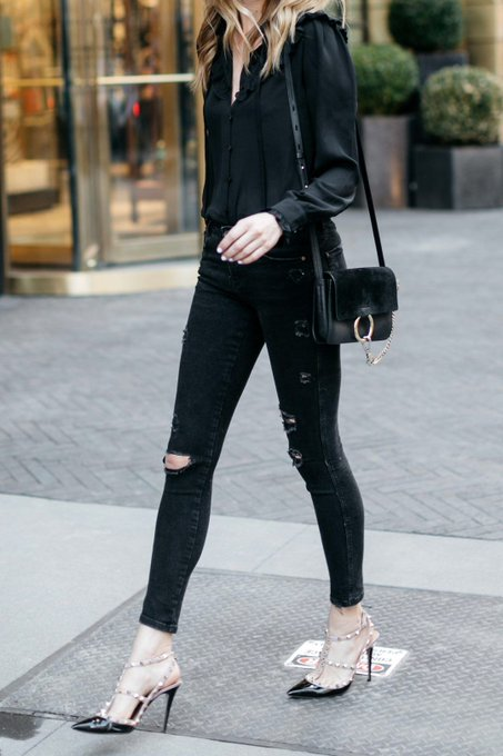 HOW TO LOOK EFFORTLESS IN BLACK