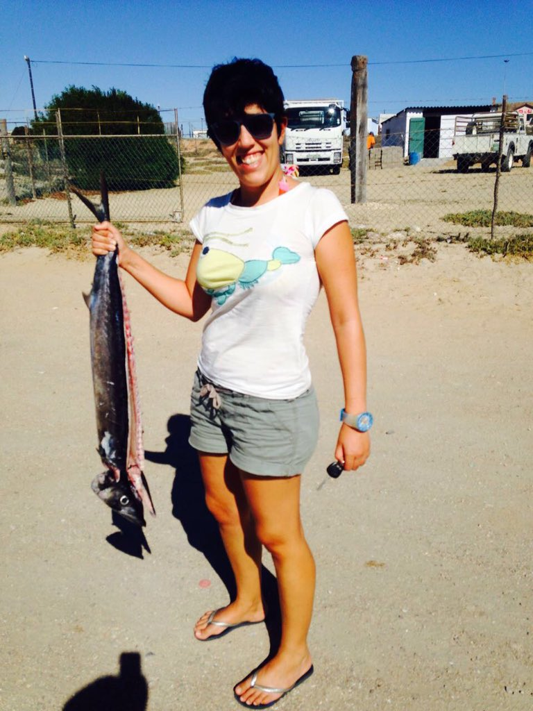 Hello! I'm an #actuallivingscientist studying evolution in exploited fishes in S Africa. Also, #DressLikeAWoman https://t.co/de0h51tSal
