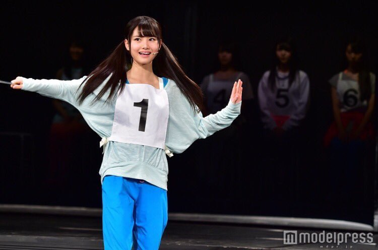 舞台で輝いている伊藤理々杏