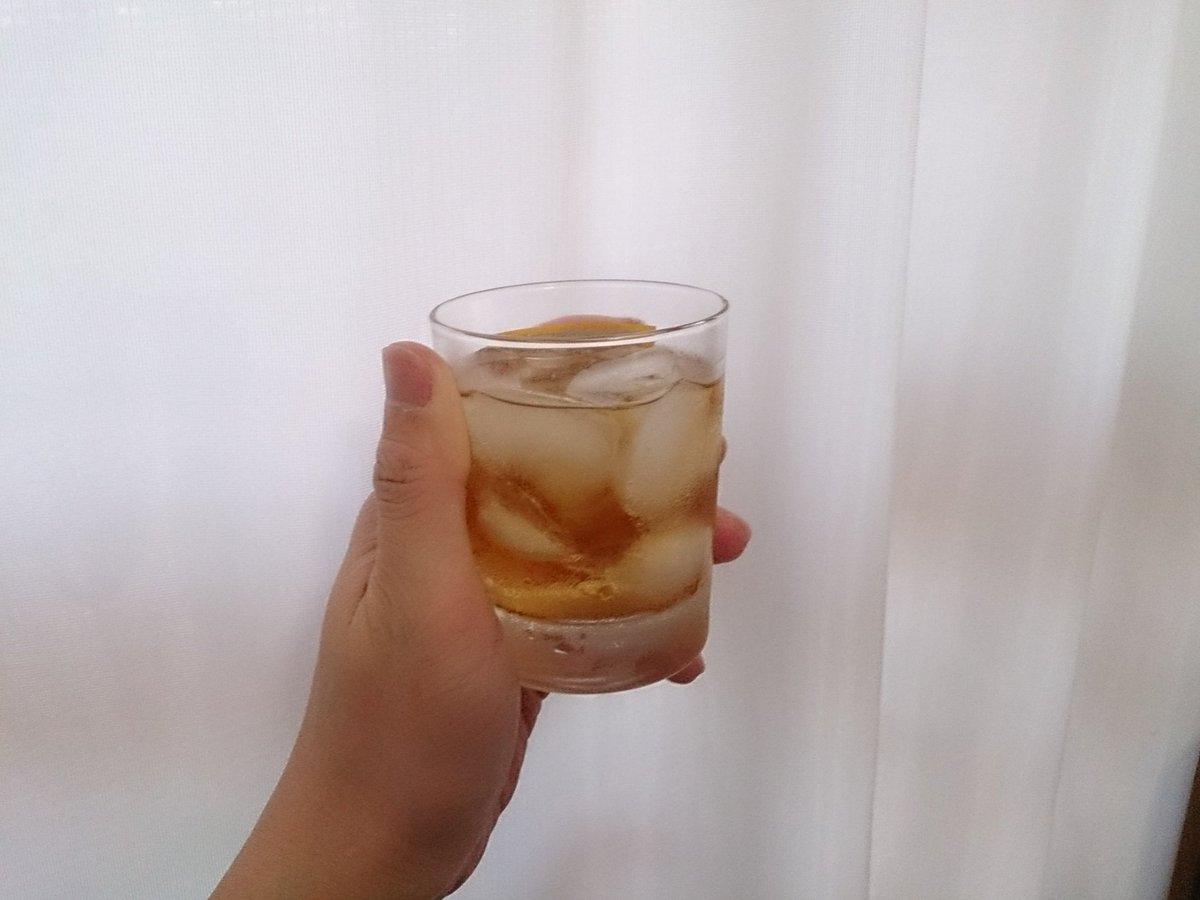 す、すごい…! ウイスキーなのに、香りがない! 口に含むと、すごくストレートにエタノールが来る!そし…